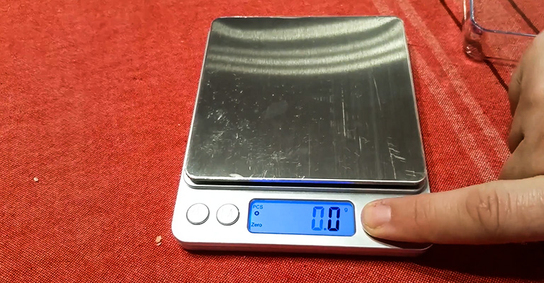 How to Read a Gram Scale
